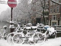 amsterdam_1109797140_snow_and_bikes